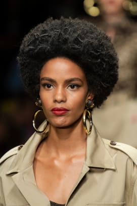 Dolce-Gabbana-Spring-2020-makeup-02