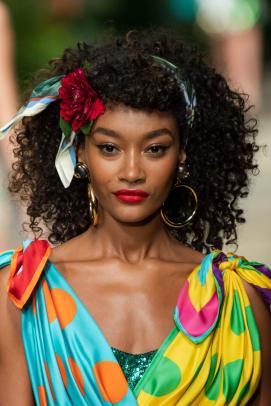 Dolce-Gabbana-Spring-2020-makeup-01