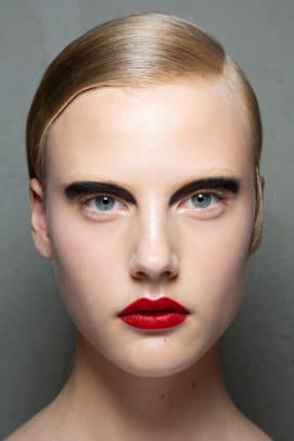 Prada-Spring-2020-makeup-04