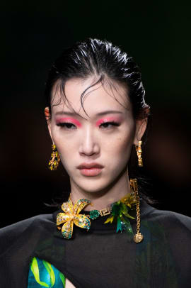 Versace-Spring-2020-hair-04