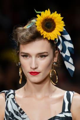 Dolce-Gabbana-Spring-2020-hair-02
