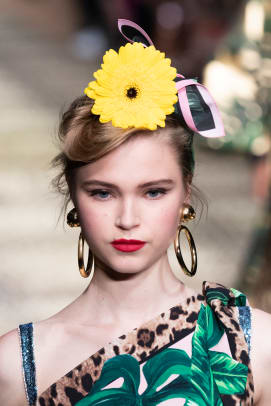 Dolce-Gabbana-Spring-2020-hair-01