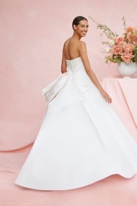 Carolina Herrera-fall-2020-bridal-week-wedding-dress-pearl-embellished-back