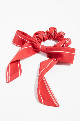 ribbons-holiday-beauty-look-3