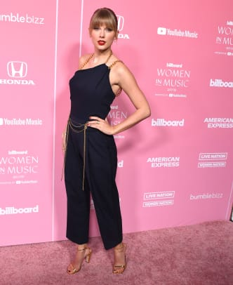 taylor-swift-women-in-music-awards