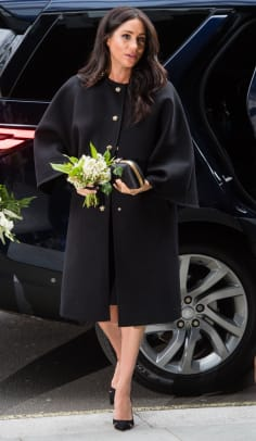 meghan-markle-vintage-black-coat