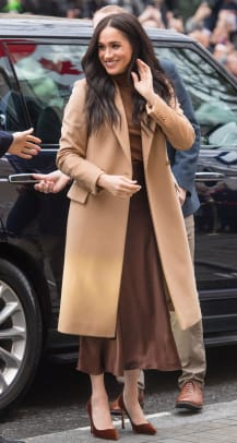 meghan markle style fashion vince skirt camel coat