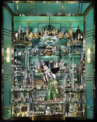 bergdorf-goodman-holiday-windows-2018-1
