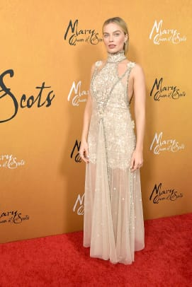 margot-robbie-mary-queen-of-scots-premiere