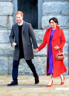 meghan-markle-wore-sentaler-coat-aritzia-dress