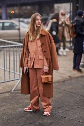 new-york-fashion-week-street-style-fall-2019-day-7-56
