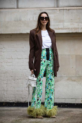 london-fashion-week-street-style-fall-2019-day-1-20