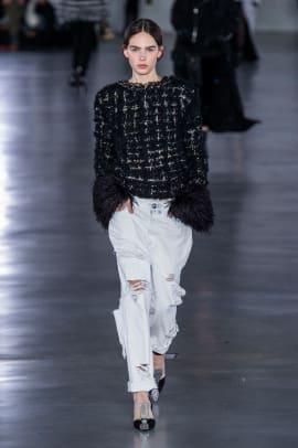 feathers trend paris fashion week fall 2019-1