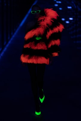feathers trend paris fashion week fall 2019-12