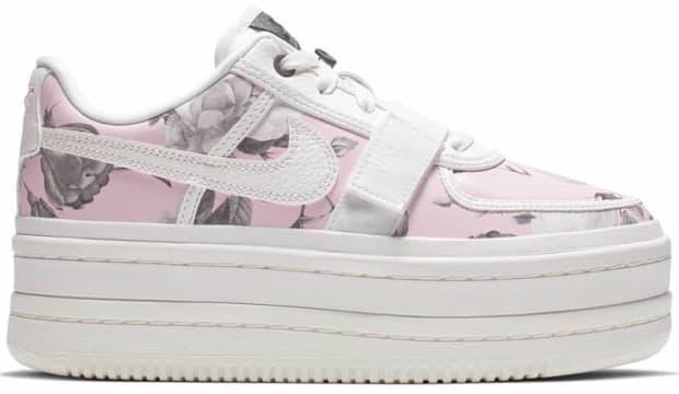 nike-vandal-2k-lx-platform-sneaker