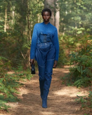 Burberry Spring_Summer 2021 Collection - Look 2