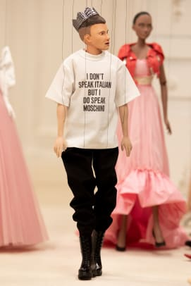 moschino-spring-2021-look-41