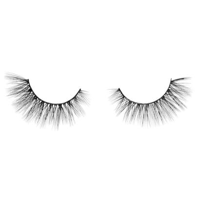 anastasia-norvina-false-lashes