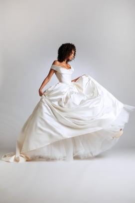 Vivienne-Westwood-bridal-2021-wedding-dress-Look_18_BagatelleDressFullButtons_VestaPetticoat
