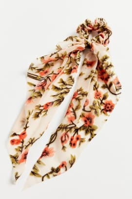 urban-outfitters-sage-sheer-velvet-scarf-scrunchie