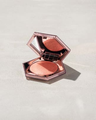 fenty-beauty-diamond-bomb