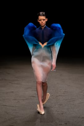 Look 01 - Iris van Herpen Couture - SS21 'Roots of Rebirth' - Photographed by Gio Staiano-mushroom fungi