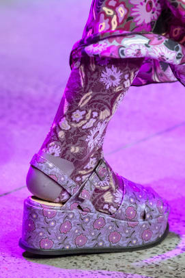 anna-sui-fall-2020-shoes