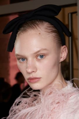 Giambattista-Valli-Fall-2020-beauty-1