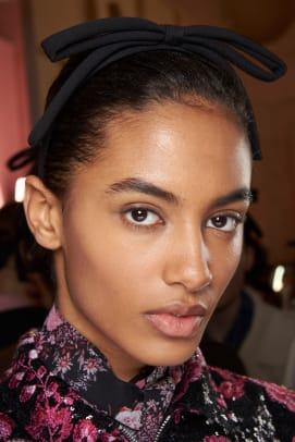 Giambattista-Valli-Fall-2020-beauty-3