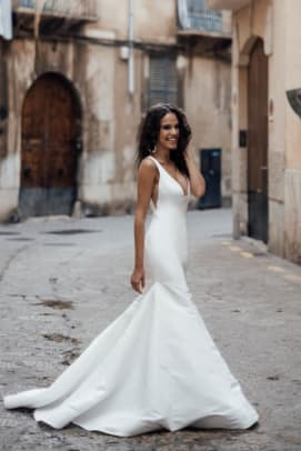 louvienne-lovely-bride-remy-wedding-dress