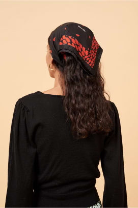 rouje headscarf