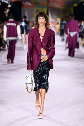 Versace_SS22_Fashion Show (18)