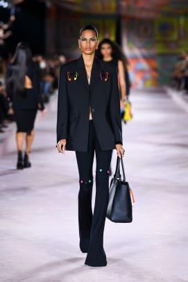 Versace_SS22_Fashion Show (3)