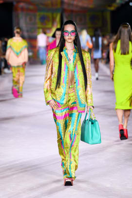 Versace_SS22_Fashion Show (47)