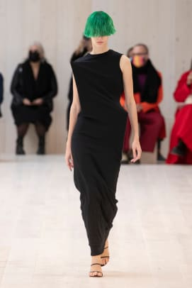 LOEWE_SS22_02_FRONT