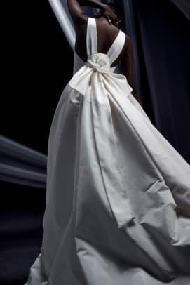 AMSALE-bridal-fall-2022-wedding-dress