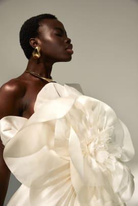 kaviar-gauche-fall-2022-bridal-wedding-big-flower