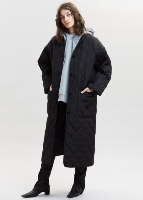 sandler-quilted-coat-by-rodebjer-in-black-coat-rodebjer-549295_700x