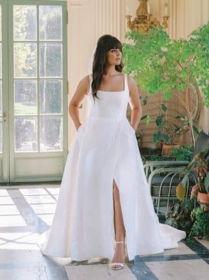 anne-barge-fall-2022-bridal-wedding-dress-square-neckline-brocade