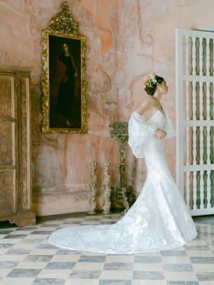 MoniqueLhuillier-bridal-fall-2022-wedding-dress-KTMerry