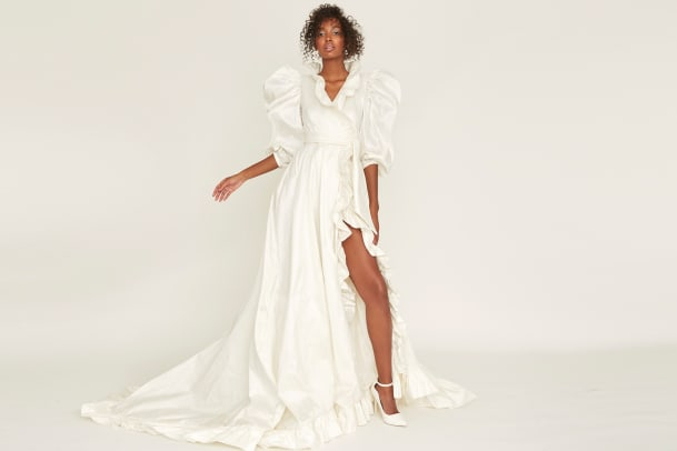 odylyne-the-ceremony-ozma-collection-bridal-spring-2022-wedding-dress-wrap