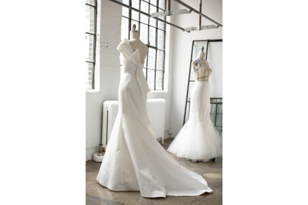 amsale-archive-spring-2022-wedding-dress-bow