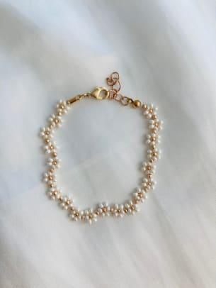 byzoeap pearl daisy chain bracelet w gold Etsy