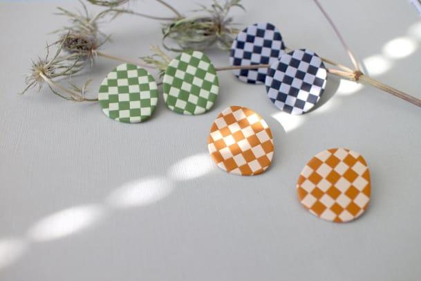 OKMoonStudio The Round Checker - Handmade Polymer Clay Checkerboard Stud Earrings | Big Studs Etsy