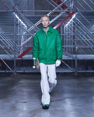 Louis-Vuitton-Fall-2021-Seoul-2