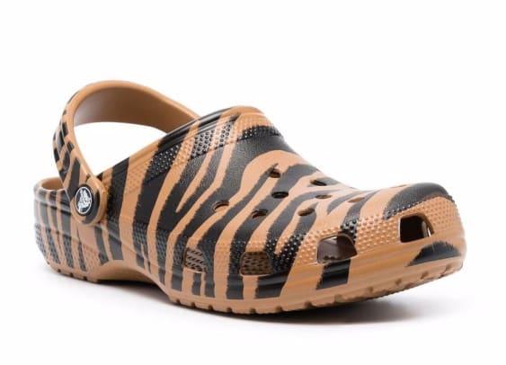 crocs-zebra