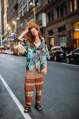new-york-fashion-week-street-style-spring-2022-day-1-22