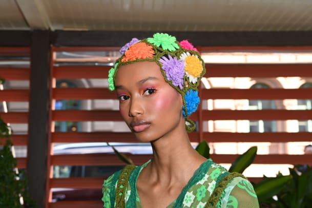 anna-sui-spring-2022-makeup-9
