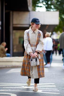 london-fashion-week-street-style-spring-2022-day-2-9