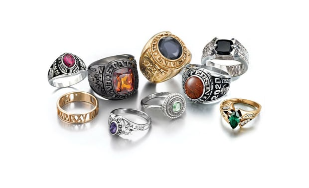 Do People Still Buy Class Rings? - Fashionista